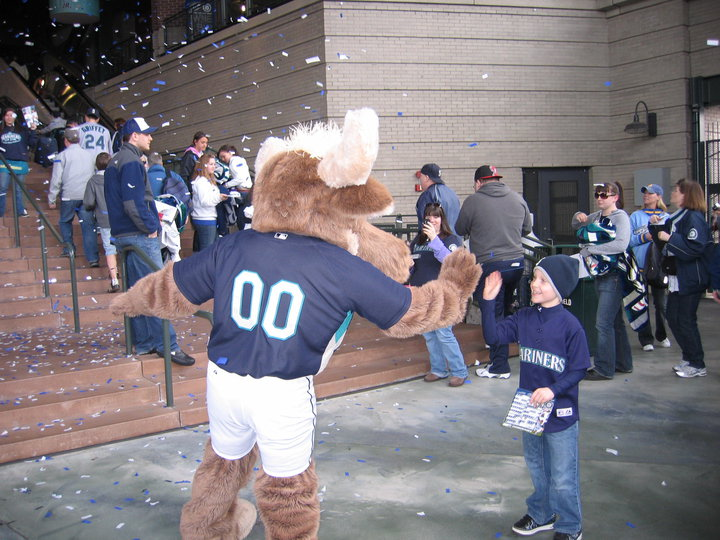 SEATTLE-Mariners-Moose