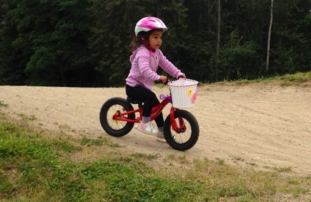 kid-bicycling