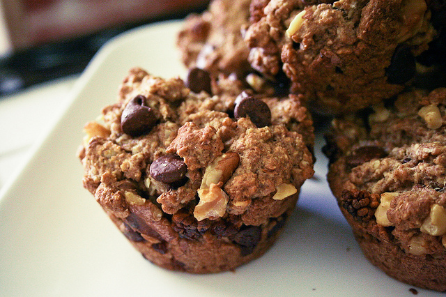 vegan oatmeal chocolate chip muffins