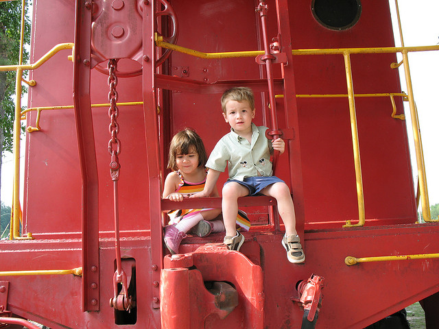 train-kids