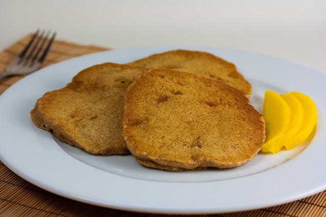 coconut-mango-pancakes-cc-flickr-veganbaking