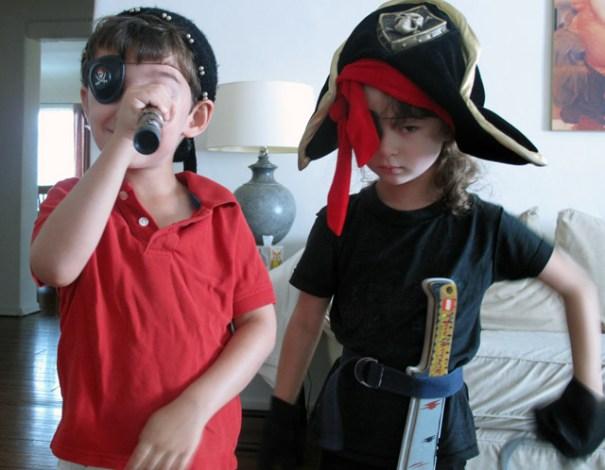 Cómo planificar una búsqueda del tesoro pirata para niños