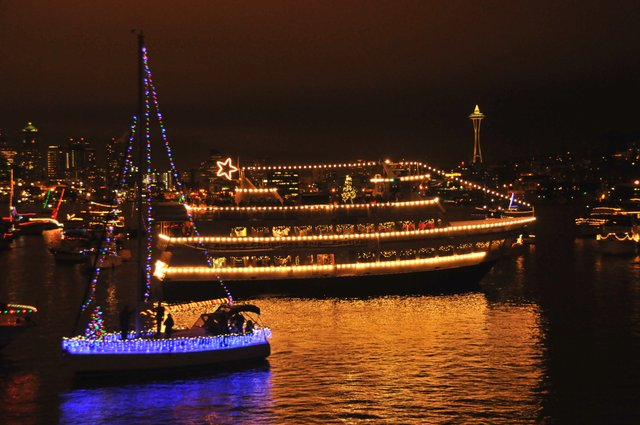 Christmas Ships Seattle 2021 Cruise Into The Season 65 Ways To See The Christmas Ship Festival
