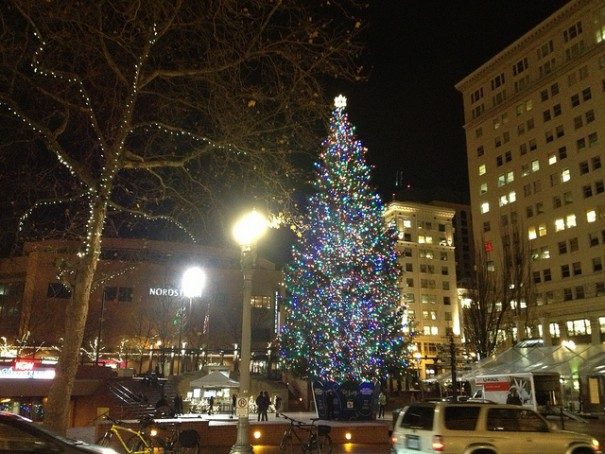 pioneer-square-christmas-tree