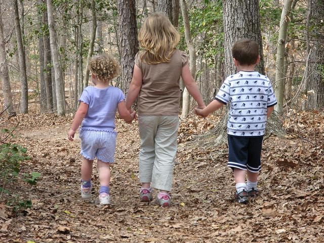 nature-hike-kids