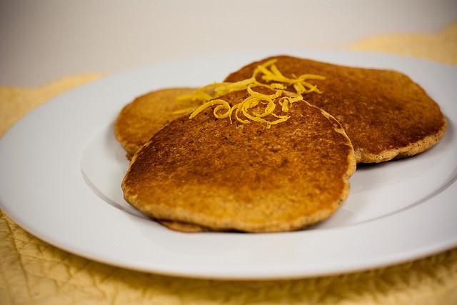 lemon-pancakes-cc-flickr-veganbaking