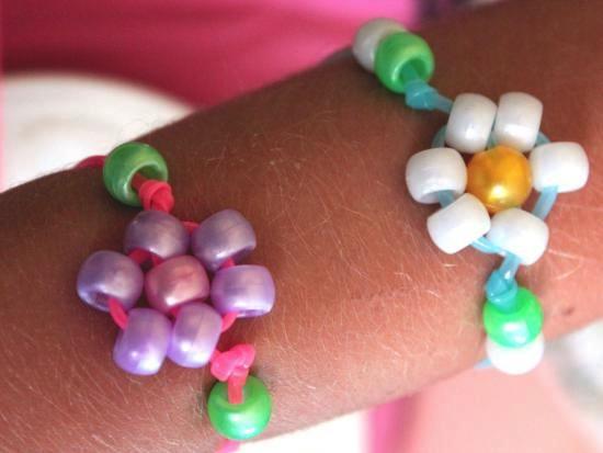 beaded-flowers-bracelet