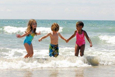 Beach Kids Play