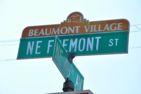 beaumont-village-signs