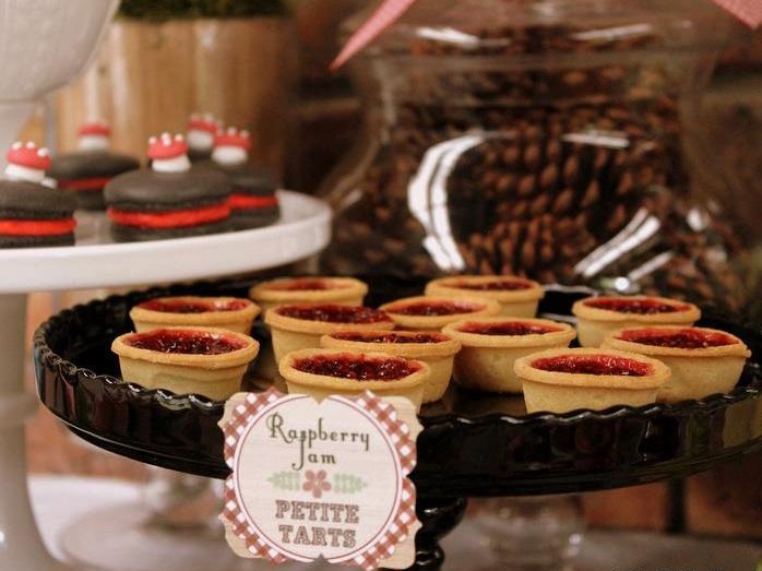 red-riding-tarts