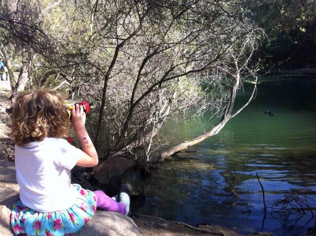 binocular-kid