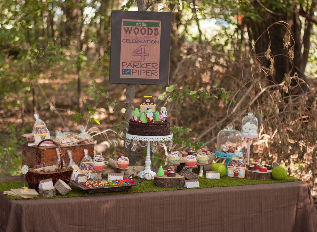 Hansel and Gretel Dessert Table