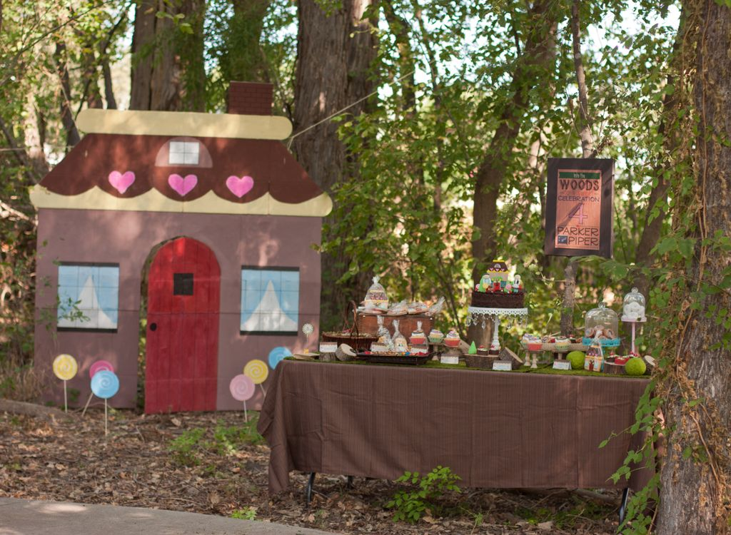 Hansel and Gretel Party in the Woods