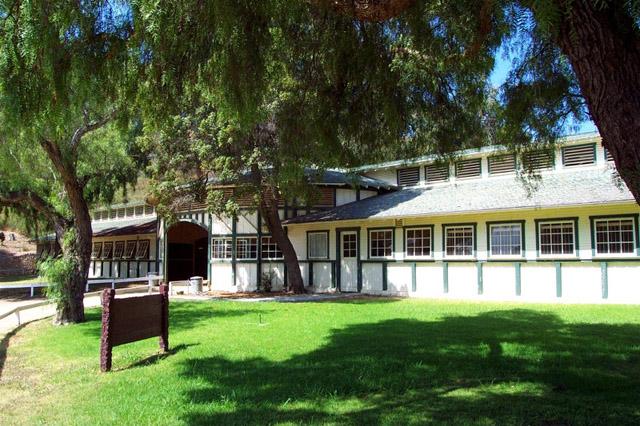 will-rogers-barn