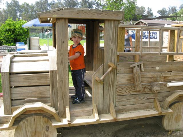 wooden-truck