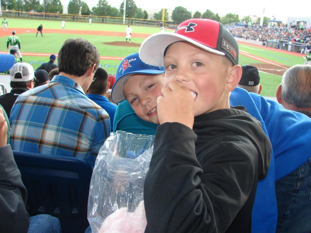 boys-at-baseball-game