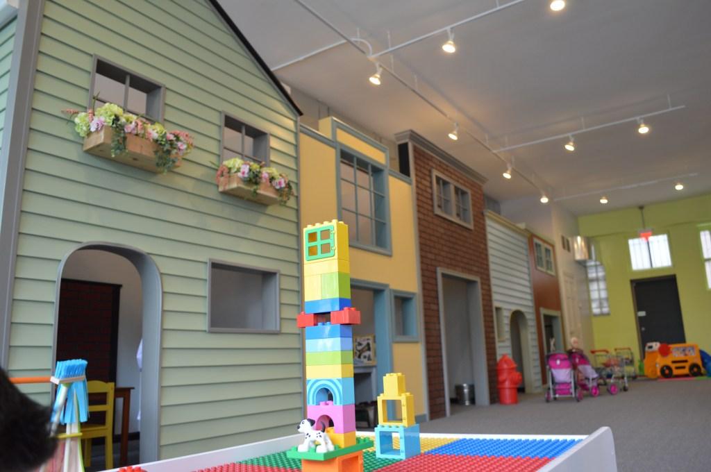 peekaboo-playroom-1