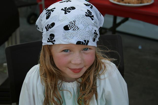 pirategirlwhitebandanaviacreativecommons