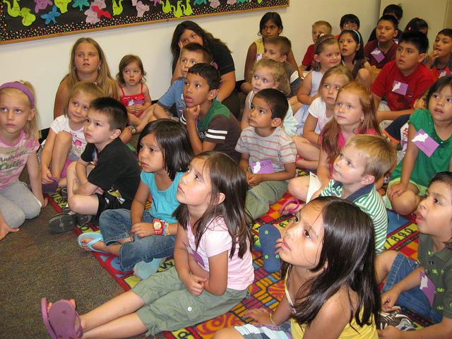 kids-reading-4