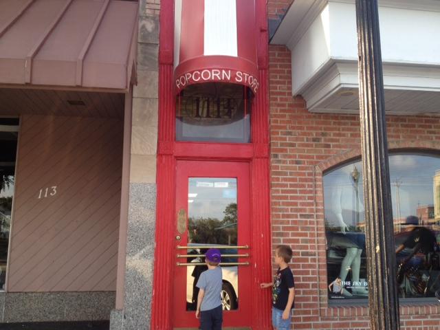 popcorn-shop-exterior