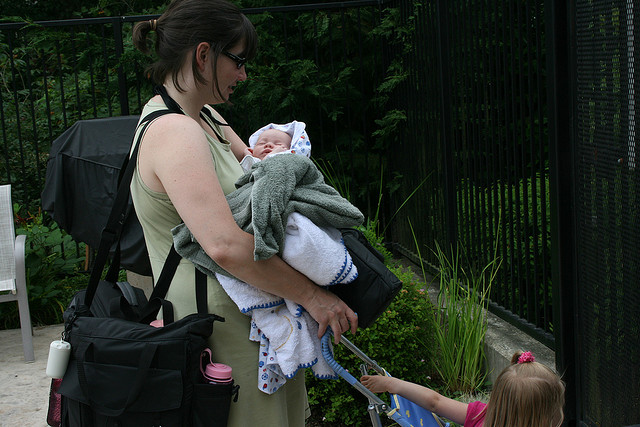 mom-diaper-bag