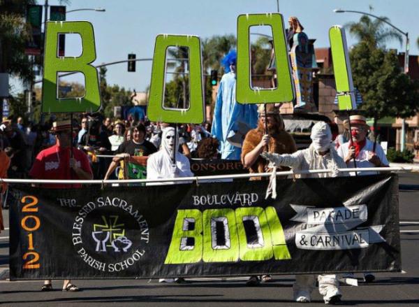 boo-parade2