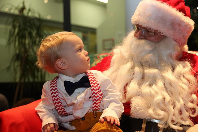 santa and kid_usarmycoreofengineers_via flickr cc