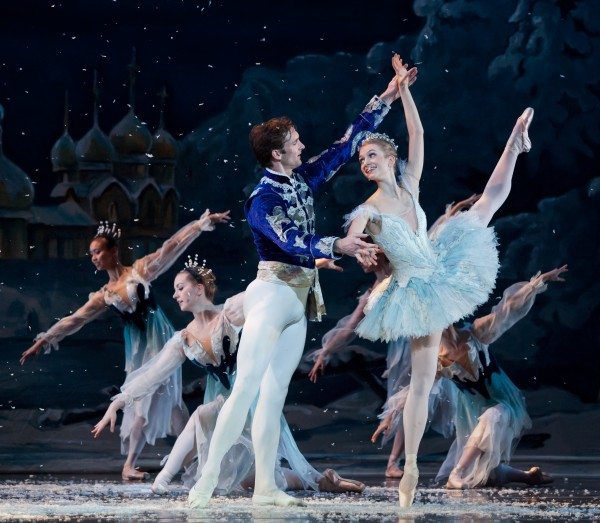 Claire Stallman and Jonah Hooper as Snow Queen and King. Photo by Charlie McCullers, Atl Ballet