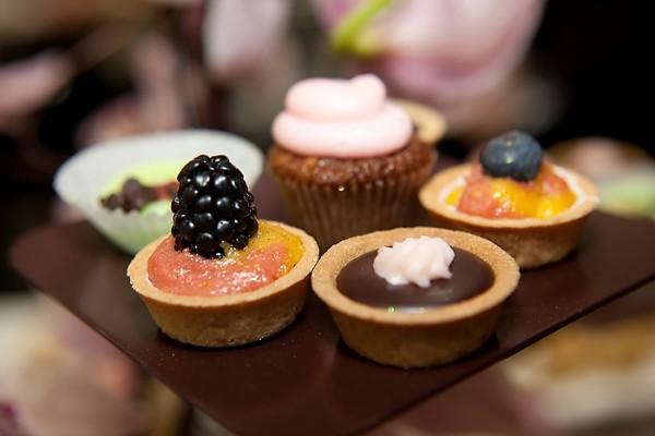 Mini-desserts-Sweet-Cheeks-McGuire-Photography