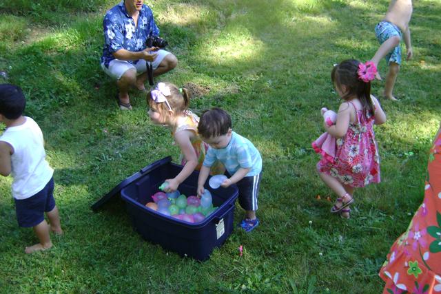 kid-water-balloons