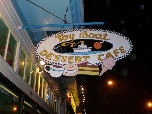 toy boat dessert cafe via Chuck N yelp (533x400)