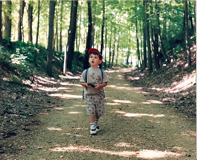 nature-walk-kid