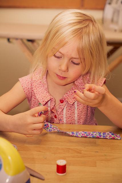 sewing-girl