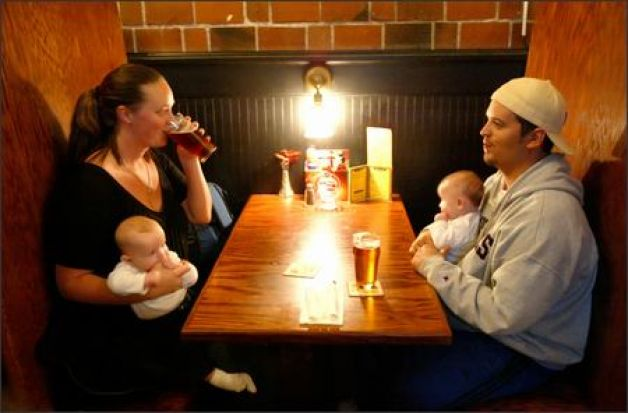 parents-in-bar