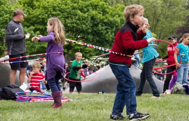 Folklife-hula-hoops
