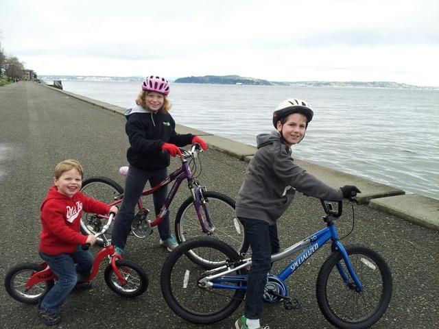 Family bike ride on Alki
