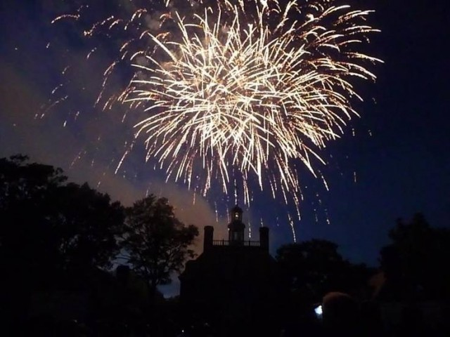 williamsburg-fireworks-va