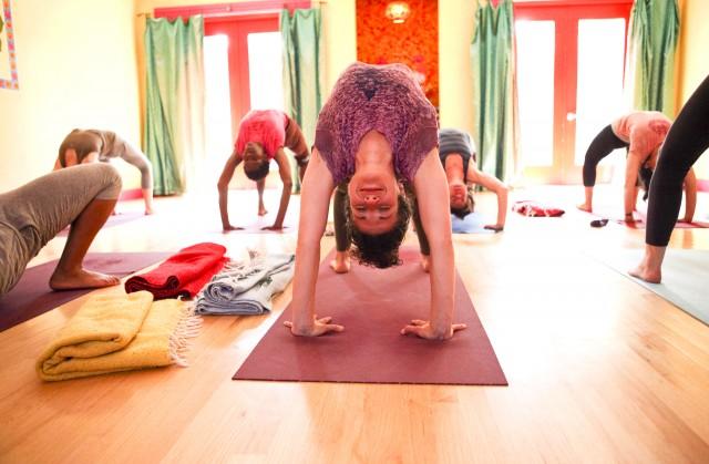 laughing-lotus-yoga