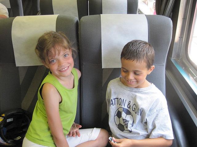 kids-ride-amtrak