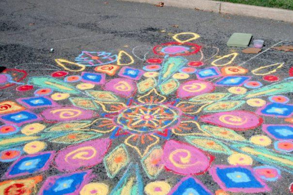 chalkmandala_sallymahoney_summercrafts_sunshine_redtricycle