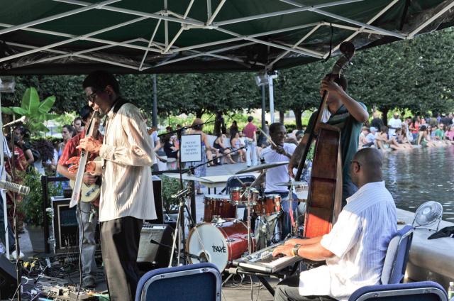sculpture-garden-jazz-concertn
