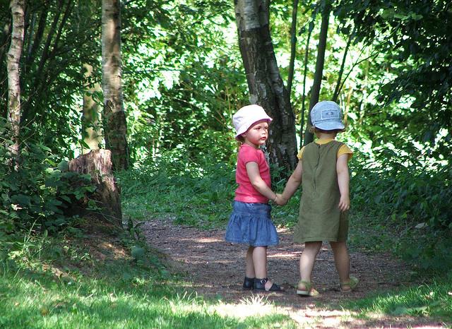 kids-walking-trail