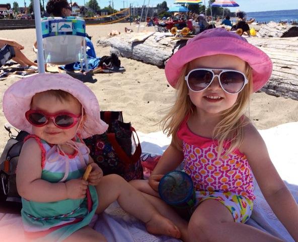 2 girls on Alki Pia VanHanen