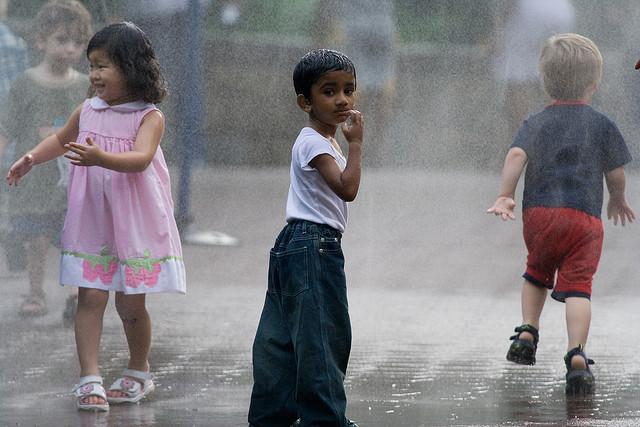 zoo-sprinklers-kids