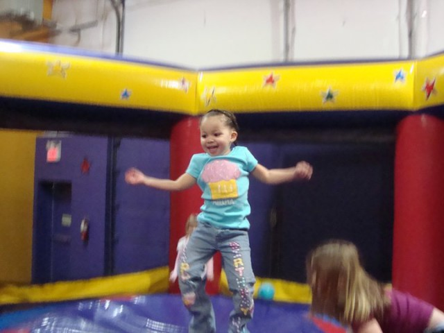 pump-it-up-bounce-house