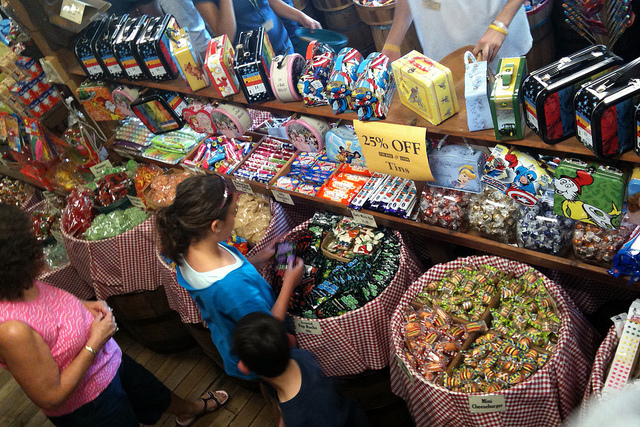 candy-store-kids