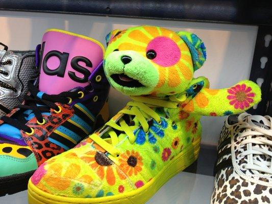 kicks la