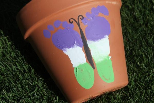 flowerpotfootprint_babyart_bump+baby_redtricycle