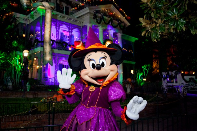 Halloween Time with Minnie 10_11_DL_003972