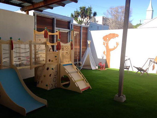 Books-and-Cookies-Santa-Monica-Outdoor-Play-Area